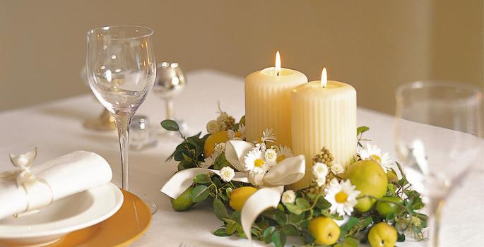 結婚式の披露宴や二次会などの司会ならお任せください。 有限会社 沢プロダクション